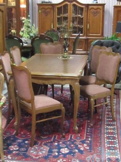 трапезарна маса 3 с шест стола